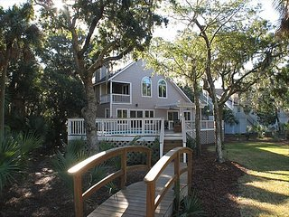 5 BR Marshfront Home with Pool, Hot Tub and Gameroom