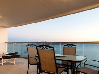 3 Bedroom Condo Playa Blanca 1209 ~ RA86345