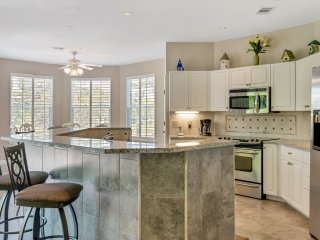 Turnberry 8519 3 Bedrooms townhouse ~ RA90344