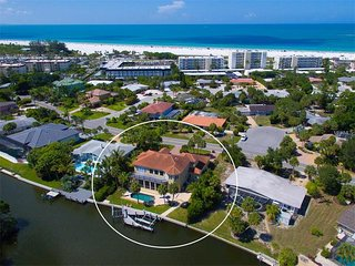 Luxury Siesta Key Four Bedroom,Five Bathroom Pool Home,180 Yards to Siesta Beach