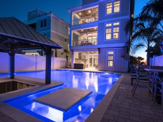 Resort Style Pool; Cabana Pool Bar; Rooftop Deck! 30% off open dates thru Nov 17
