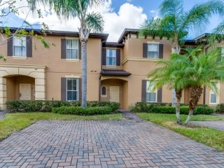 VM - 2198 Fantastic 4 Bedroom Town Home on Regal Palms Resort and Spa