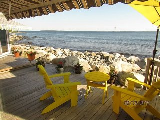 Ocean Surf Cottage at Summerville Beach  - Check in and Check out!