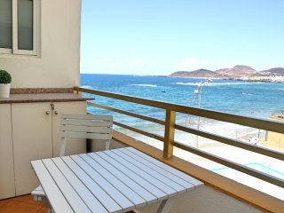 Great apartment in front of Las Canteras beach!
