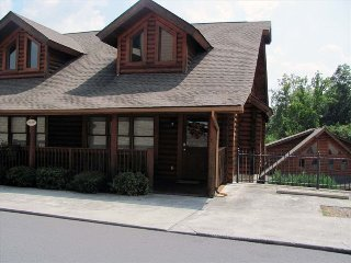 Family Friendly Cabin in the Heart of Pigeon Forge