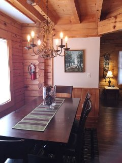 Room for 6 at the dining room table