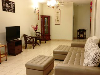 Spacious & Privacy Single Storey House near Queensbay Mall