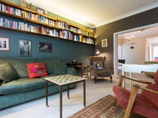 Fantastic 2bed flat with balcony in Paddington!