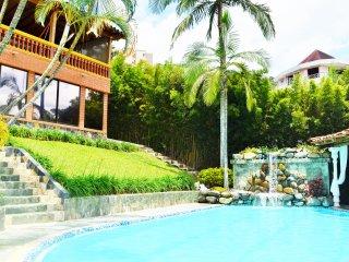 Exclusive Villa Deluxe- huge pool, jacuzzi & Steam room