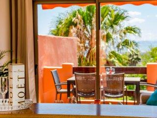 Amazing 1 bedroom apt with panoramic views-SS823
