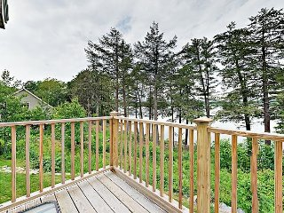Stylish 2BR Condo at Sheepscot Harbor Resort - Balcony w/ River Views