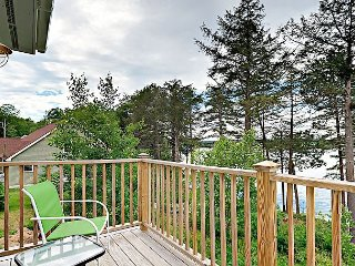 New 1BR Riverfront Condo in Sheepscot Harbour - Walk to Famed Seafood Eatery