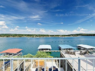 3BR Condo w/ Lake Access – Views, Pool, & Hot Tub