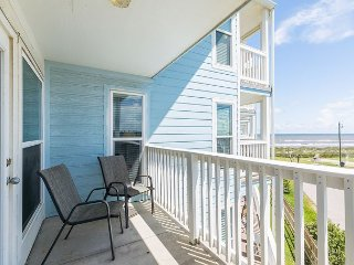 Area Not Impacted by Hurricane: 2BR Beachfront Condo w/Bunk Area
