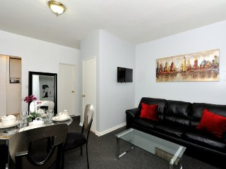 Stay close to Park Ave + Museum Mile in this prime location 1Bed Upper East home