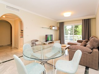 Awesome 2 Bedroom Apartment 5 Min Walk To The Beach, Marbella Golden Mile!