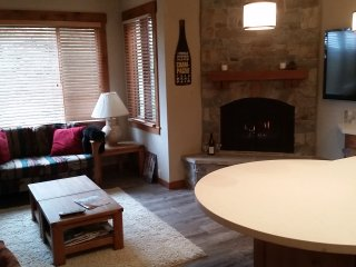 Comfortable Northstar Condo on Ski Trail ~ RA459