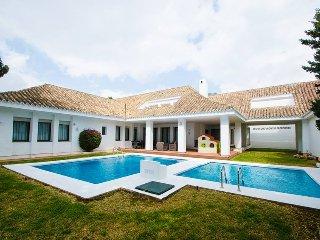 Superb Villa 5 On The Beach in Puerto Banus, Marbella