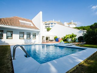 Luxury Mediterranean Villa 6 In Puerto Banus 50 Meters To The Beach