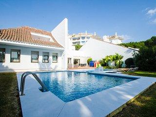 Luxury Mediterranean Villa 6 In Puerto Banus 50 Meters To The Beach