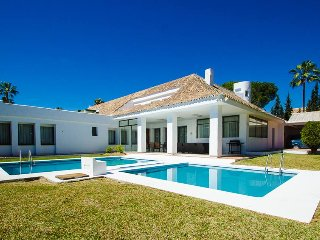 Mediterranean Style Villa 15 in Puerto Banus for Short Term Rent