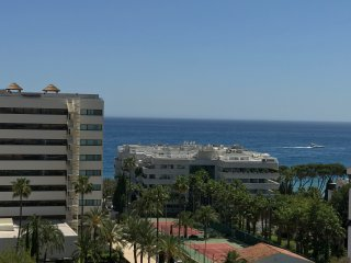 Great Apartment Sea Views In Golden Mile 200 M To The Sea!