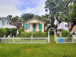 #1514 2nd Avenue - Sunburst Cottage - Small Dog Friendly