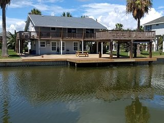 Canal-Front Home Near Galveston Bay – Private Patio & Boat Dock– Sleeps 10