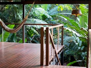 Cairns Treetops Retreat