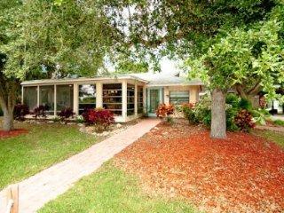 Paradise Cottage ~ RA56979