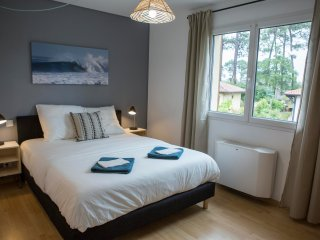 Private double room with bathroom in Ocean Garden