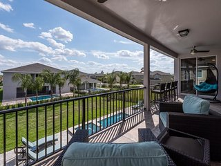 Encore Resort 303 - pool, game room, theater room and free shuttle to parks