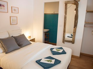 Ensuite double room in Ocean Garden B&B Villa