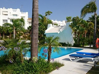 ALcazaba Lagoon Estepona, Casares, LUXUS-Ferienwohnung für 6 Personen