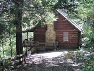 Secluded 2 Bedroom Vacation Cabin Rental on the River in Blue Ridge