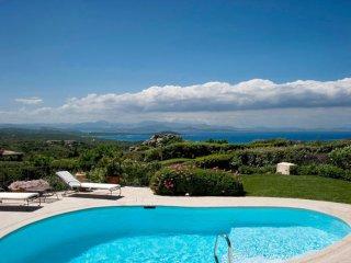 Favolose villa vedute della magnifica Cala di Volpe