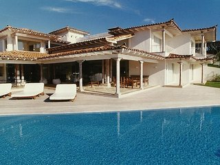 Maravilhosa casa com vista privilegiada da Praia da Ferradura