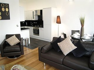 AMAZING! Top location, zone 1 London next to tube