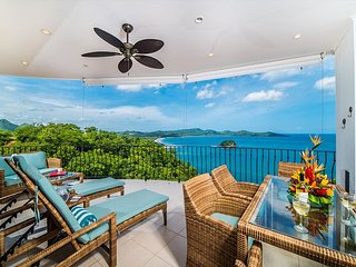 Dramatic Ocean Views, 2 Master Bedrooms, 2 Balconies, 2 Pools