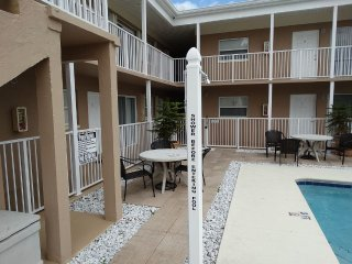 Just Off Beach Condo! ~ RA86611
