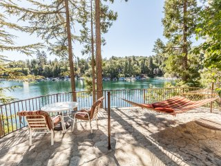 Emerald Bay Lakefront Lodge