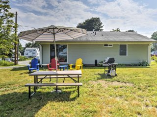 Enjoy peace and quiet at this awesome Gloucester vacation rental cottage