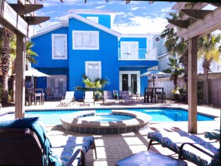 Triton's Tower-7BR-Across Street from Gulf! PRIVATE Pool with Waterfall Jacuzzi