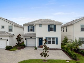 Luxury 6 bedroom home 10 minutes from Disney parks