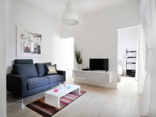 Completely renovated 1bdr near San Babila