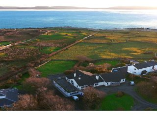 Direct Seaview. Perfect for Groups, 5 Km to Galway ~ RA131452