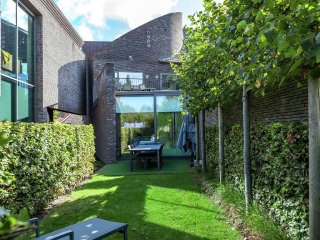 House in Bruges with Internet, Parking, Terrace, Garden (488076)