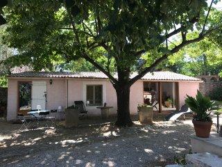 Maison, Jardin, 10mn centre Nîmes
