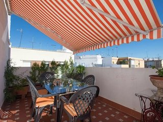 Apartment 1.1 km from the center of Seville with Internet, Air conditioning, Lif
