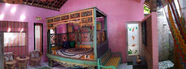 Spacious Ayodhya living room with Bale Asmara ( double bed 140 x 200 )